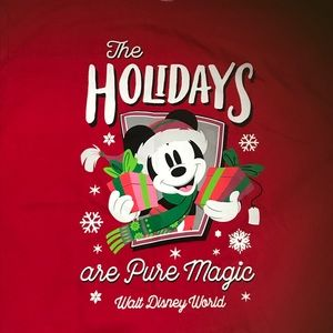 The Holidays are Pure Magic At Disney T-shirt sz M